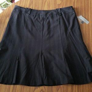 NWT Black pinstriped plus size skirt size 16